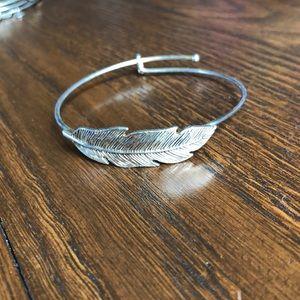 Jewelry - Feather bangle bracelet